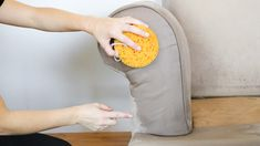 How To Wash Upholstery Clean Fabric Couch, Clean Upholstery, Clean Sofa, Sofa Cleaning, Cleaning Microfiber Couch, Cleaning Hacks, Household, Projects To Try, Stains