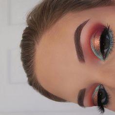 #eyemakeupnatural #EyeMakeupCutCrease Eye Makeup Steps, Natural Eye Makeup, Blue Eye Makeup, Smokey Eye Makeup, Glam Makeup, Skin Makeup, Makeup Inspo, Eyeshadow Makeup, Makeup Art