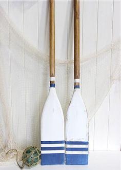 Nautical Oars Decor / Blue and White / Coastal Oar Decorating Idea