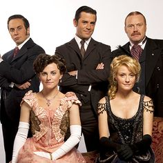 Big news! The stars of Murdoch Mysteries will be at Fan Expo Canada (TM) on Saturday, Aug. 24 at 1:15 pm for both a Q and an autograph session! For more info, take a look here: http://www.fanexpocanada.com/