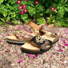 Sandaalit - nuo hellepäivän pelastajat | Jalkineliike Stella Oy  Thinkin kauniit kukkasandaalit ovat nahkaa. Korkkipohja hengittää kuumanakin päivänä :)