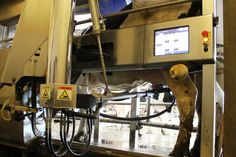 #PrecisionDairy Farming: The Next #Dairy Marvel #LivestockFarming #RoboticFeeding #robots #sensors
