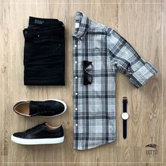 Rate this outfit ⤵️ Outfit by High Fashion Men, Fashion Sale, Mens Fashion, Mens Spring Fashion Outfits, Fashion Photo, Summer Outfits, Gq Style, Men Style Tips, Mode Man