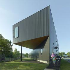 Fayetteville Montessori Elementary School / Marlon Blackwell Architect