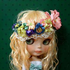 小さなお花畑   heiligtum cutie flower crown peace love flower child Blythe @catarinaregina Love her .。.:*❤