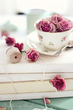 I love French country style, shabby chic , romantic and white style. This is just random things I love. Rose Cottage, Cottage Chic, Vintage Shabby Chic, Shabby Chic Decor, Teacup Flowers, Shabby Flowers, Drying Roses, Rose Garland, Love French