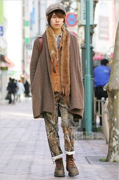 森ガール #Mori-kei boy wearing faux fur!