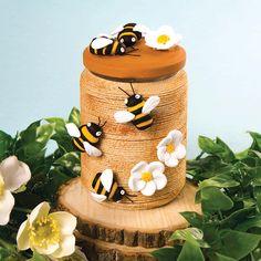 crafts for kids mason jars Honey Bee Jar Crafts With Glass Jars, Mason Jar Crafts, Mason Jar Diy, Glass Craft, Bee Crafts, Crafts For Kids, Nature Crafts, Bee Skep, Jar Art