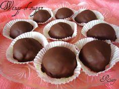 Tartufi pandoro e cioccolato Pandoro and chocolate truffles