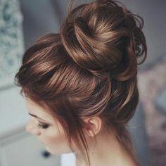 #mulpix Coque despojado lindíssimo pra fazer bonito nas festas de fim de ano e de quebra enfrentar o calor com glamour. Gostaram?  www.falandodebeleza.com.br ______________________________ #cabelos #cabelo #hair #hairstyles #coque #updo #penteados #penteado #cabeleireiros #haircare #moda #fashion #lookbook #lookdodia #mulher #sp #maquiagem #makeup #Natal #noiva #casamemto #wedding #modafeminina #girl #penteado #beleza #beauty #inspiração