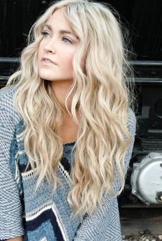 wavy long hair | center part long hair | wavy perm More