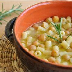 Pasta e ceci. Condivisa da: acucinadiziaale.blogspot.it