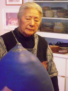 Toshiko Takaezu taken in her home in Quakertown, New Jersey.