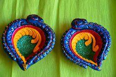 Diwali Diya Decoration Ideas With Beautiful Diya Photos – Posts Hub Diya Decoration Ideas, Diy Diwali Decorations, Festival Decorations, Handmade Decorations, Diwali For Kids, Diwali Craft, Diwali Gifts, Diya Photos, Diwali Diya Images