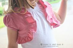 Re-purposing: Stained Tshirt into a Shrug - perfect for stained kiddo's shirts but could even do this for myself! My Little Girl, Up Girl, Diy Clothing, Sewing Clothes, Clothes Refashion, Shirt Refashion, Sewing Hacks, Sewing Tutorials, Sewing Projects