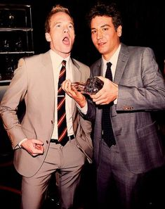 Neil Patrick Harris with Josh Radnor how i met your mother Ted Mosby, How I Met Your Mother, Best Friends Movie, Best Sitcoms Ever, Neil Patrick Harris, Himym, Cinema, I Meet You, Best Series