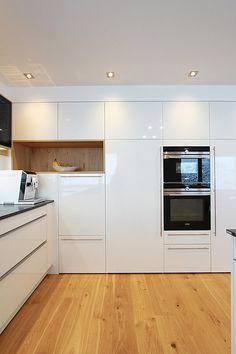 Home Decor Kitchen, Kitchen Interior, Home Kitchens, Modern Kitchen Design, Kitchen Tiles, Apartment Interior, Sweet Home, New Homes, House Design