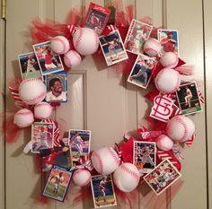 Cardinals Baseball Wreath (christmas sweets to sell) Baseball Wreaths, Baseball Crafts, Sports Wreaths, Baseball Stuff, Christmas Sweets, Christmas Wreaths, Christmas Gifts, St Louis Cardinals Baseball, Stl Cardinals