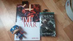 Le comics Civil War et le roman Les Ravens Tome 7 de James Barclay (photo: Olivina Cardinala) #VendrediLecture