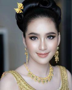 most beautiful woman in asian 13 « The Beauty Products Beautiful Girl Image, Beautiful Asian Women, Thai Wedding Dress, Prity Girl, Mode Blog, Asian Makeup, Cute Beauty, Cute Makeup, Wedding Makeup