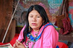 Artesana Olinda Silvano,que construye identidad y tradiciones culturales para las comunidades de Cantagallo y de Pucallpa.