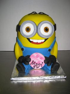 Minion Cake ~ Meet San Carlos' Very Own Cake Boss By debramonroe. Seen those crazy, sculpted cakes featured on cable shows like Cake Boss? A baker who specializes in and custom cakes has quietly moved into San Carlos. Big Cakes, Fancy Cakes, Carlos Cake Boss, Cupcakes, Cupcake Cakes, Despicable Me Cake, Minion Cakes, Cake Boss Buddy, Carlos Bakery