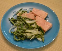 Peanut-Flavored Turkey, Green Beans, and Onions