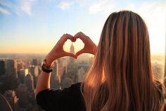 New York City's Best Skyscraper: Empire State Building vs. Top of the Rock - Go! Holly Golightly, Bill Kaulitz, Aeropostale, Paul Coelho, Photo New York, Profil Facebook, Plus Belle Citation, Facebook Profile Picture, Facebook Image