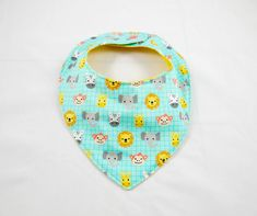 #Lion, #zebra, #monkey, #elephant, #giraffe, ... why do you have to choose if you can have it all in only one #bandana ? #babybib #babyshower #etsy https://etsy.me/2LM9Ulj
