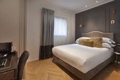 The Bistro, Famous Beaches, Fine Dining, Hotel Offers, Classic Style, Bed, Room, Furniture, Design