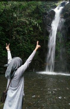 Feel free 🙌 #waterfall #latepost