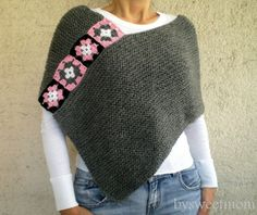 This stylish gray afghan poncho will keeps you warm in fall / winter season. I embellished it with crochet afgan motifs. There are lots of ways to wear this super stylish Poncho! Poncho Au Crochet, Knitted Afghans, Crochet Granny, Crochet Scarves, Crochet Clothes, Knit Crochet, Crochet Stitches, Loom Knitting, Hand Knitting