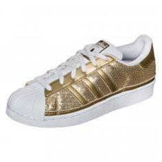 Perfekte Kombi - sportlich-schick  adidas Originals Superstar Sneaker #sneaker #sneakerlove #metal #metallic #gold #style