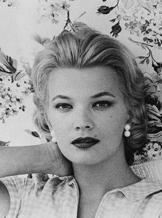 Gena Rowlands (American actress film stage television) She has done a considerable amount of work in television and stage but is most noted for her movie roles in Gloria, A Woman Under  The Influence, The Notebook, The Skeleton Key, Neon Bible, Hope Floats. . .  .