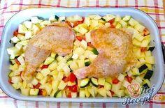 Chcete si připravit hlavní jídlo s přílohou najednou z jednoho pekáčku? Vyzkoušejte tyto recepty, které vám usnadní a zkrátí přípravu. Na těchto obědech si pochutná celá rodina. Nemusíte se zvlášť starat o přílohu, stačí do pekáče vložit brambory a o pár minut máte hotové jídlo, připravené k servírování z jednoho pekáče. Slovak Recipes, Czech Recipes, Ethnic Recipes, No Salt Recipes, Cooking Recipes, Potato Salad, Good Food, Food And Drink, Healthy Eating