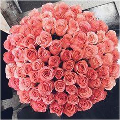 Для любимой мамочки в день рождения только лучшие цветы от @luxflowers ❤️