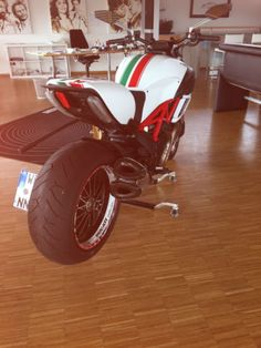 Ducati Diavel, Cars And Motorcycles, Ps, Antique Cars, Rock, Pictures, Image, Ideas, Vintage Cars