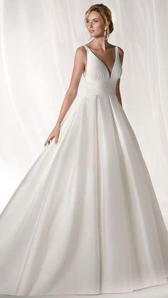 Courtesy of Nicole Spose wedding dresses; www.nicolespose.it #weddingdress #weddingideas