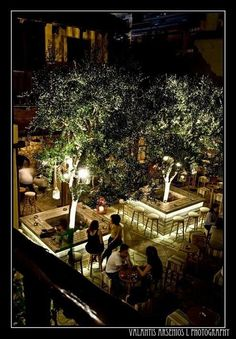 View the full picture gallery of Erateinon (summer Public) Outdoor Restaurant Patio, Rooftop Restaurant, Outdoor Cafe, Rooftop Bar, Restaurant Design, Restaurant Concept, Coffee Shop Design, Cafe Design, Luxury Hotel Design