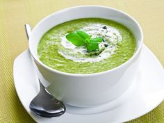 Buy Vegetable soup by TiramisuStudio on PhotoDune. Fresh vegetable soup topped with cream and mint Smoothie Recipes, Soup Recipes, Vegan Recipes, Cooking Recipes, Food Crafts, Diy Food, Callaloo Soup Recipe, Caldo Detox, Caldo Verde Low Carb