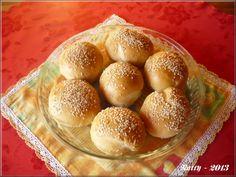 Domácí hamburger Baked Potato, Hamburger, Potatoes, Bread, Baking, Ethnic Recipes, Food, Potato, Brot