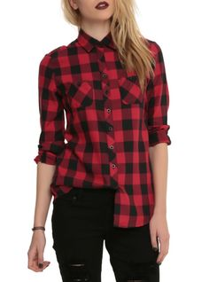 Long-sleeved top with a black and red plaid pattern, two front pockets and black button-up closure.