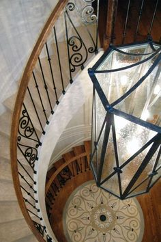 Grand staircase in Chicago Home, Milbury Architects, Ltd.