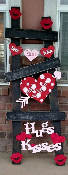 Valentines Ladder kit. Made of Wood and vinyl. Hand painted Ladder not include for display only Choose your bottom piece Heart or cupids