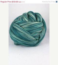 SALE merino wool roving 19 microns 4 oz color by DivinityFibers, $11.40