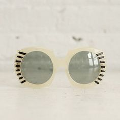 Round Sunglasses: Pearlescent vintage mod sunnies with black arrow designs and clear blue lenses! 1960s Sunglasses, Cool Sunglasses, Round Sunglasses, Vintage Sunglasses, Sunnies, White Sunglasses, Moustaches, Vintage Accessories, Women's Accessories
