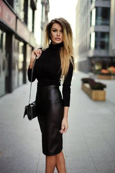 Black top, leather skirt and bag - Miladies.net