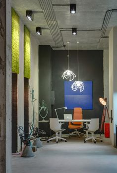 This modern office in the Ukraine has all the quirky, stylish design of a hip urban loft. Office Space Design, Modern Office Design, Office Interior Design, Office Interiors, Office Designs, Look Office, Office Looks, Boutique Deco, Bureau Design
