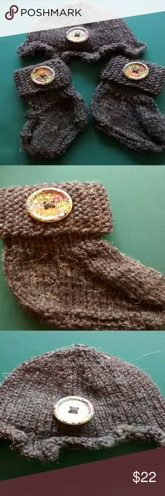 """Knitted hat and booties NWOT Brown tweed, hat measures about 6"""" at opening, bootie foot measures bout 4"""" from heel to toe. Handmade  Other"""