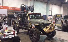 Guns on a Jeep at SEMA